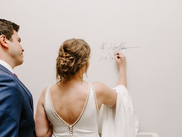 Tmx Amberholtephotography9 51 981019 161021927355616 Faribault, MN wedding venue