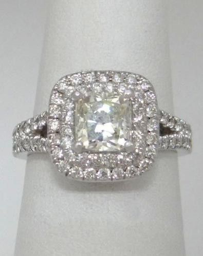 Square diamond studded ring