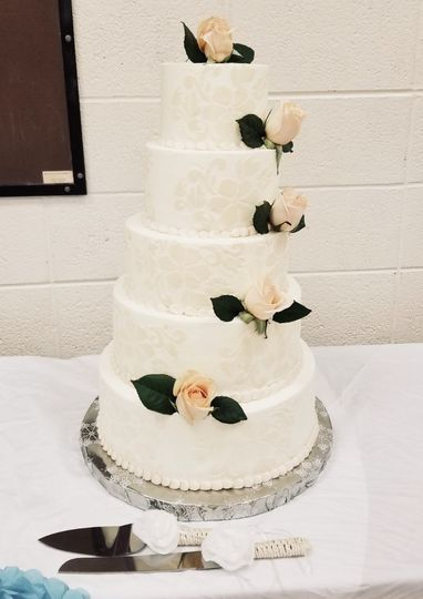 Wedding cake with stencil work