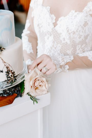 Cake and Ring details