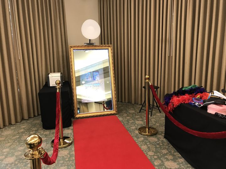 Red Carpet Magic Mirror Booth