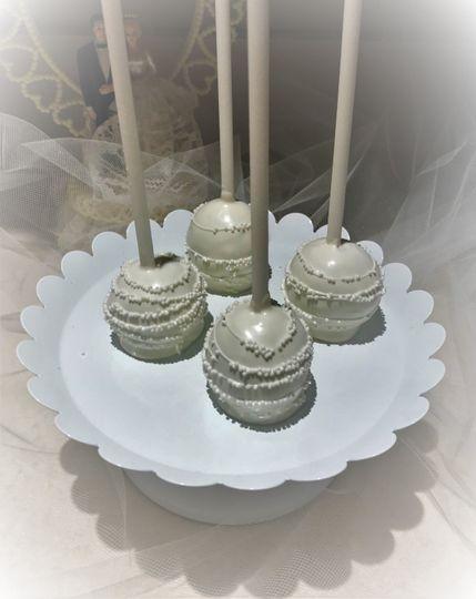 Bridal cake pops