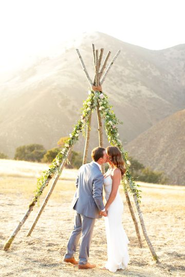 Figueroa mountain farmhouse boho wedding ceremony