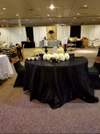 Bonnie and Clyde theme wedding