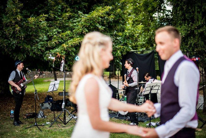 The international, irish-italian wedding band