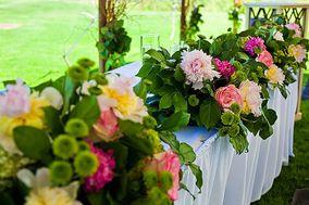 DayLily Floral Cascade