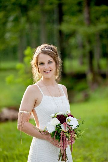 Athens, TN Bride at Ramble Creek Vineyard