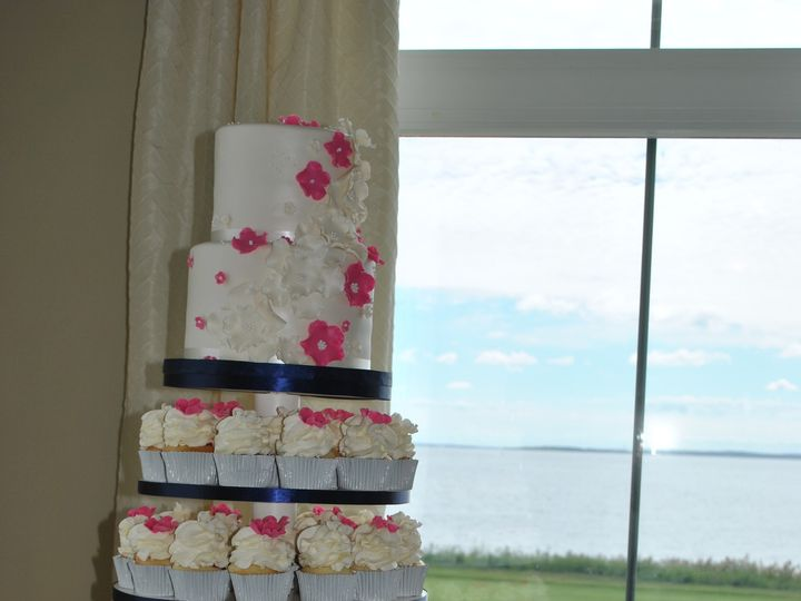 Tmx 1418070601950 Dsc0214 Johnston, Rhode Island wedding cake