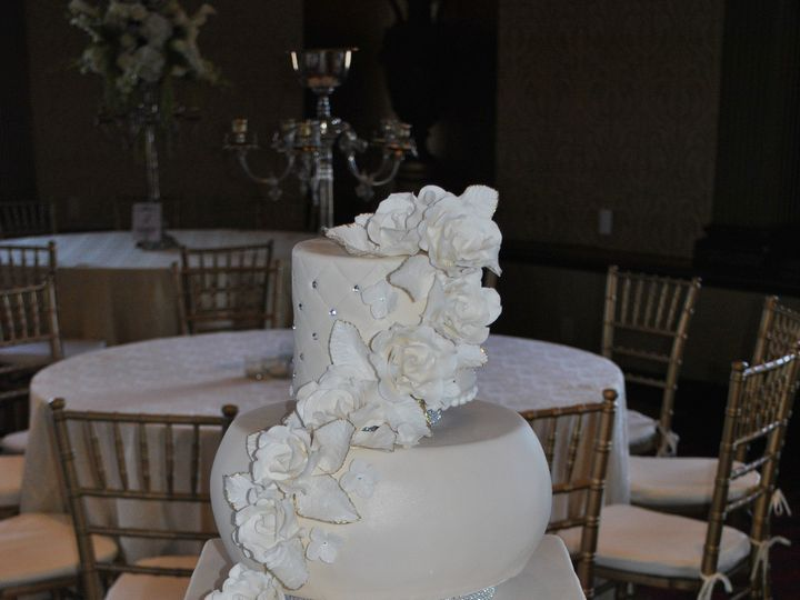 Tmx 1418070620497 Dsc0102 Johnston, Rhode Island wedding cake