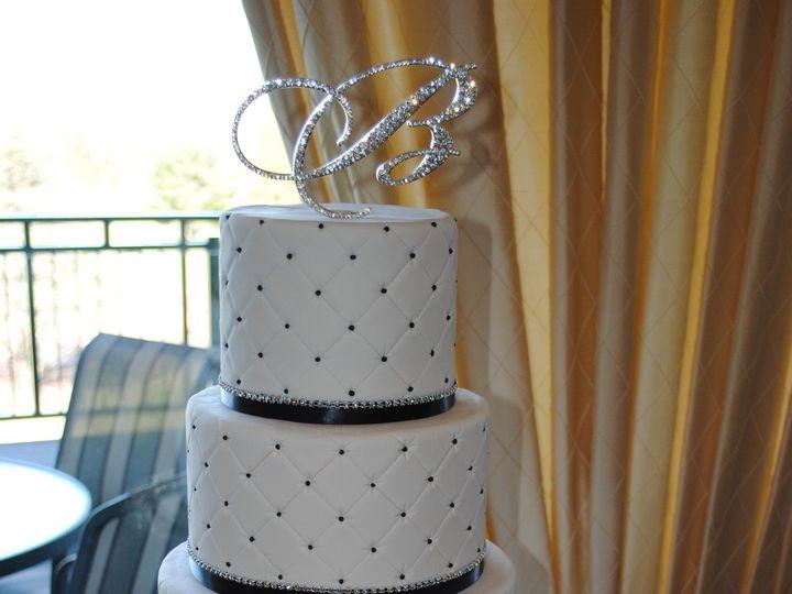 Tmx 1418071781103 Dsc0141 Johnston, Rhode Island wedding cake