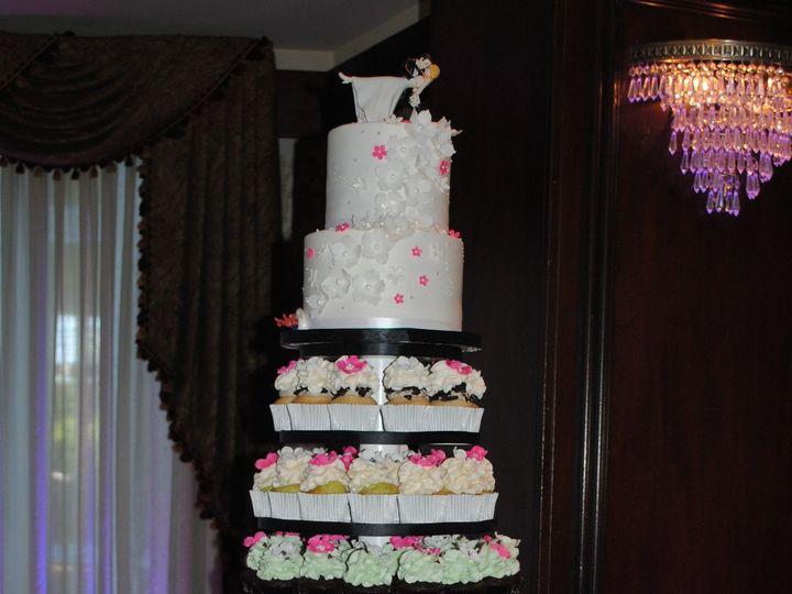 Tmx 1418071964884 Dsc0127 Johnston, Rhode Island wedding cake