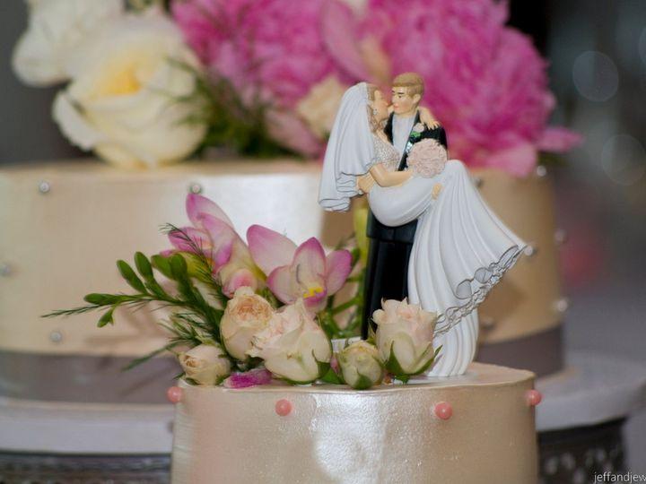 Tmx 1358372241808 WaymanHoekstraGrayPhotographybyJeffandJewels277 Denver wedding cake