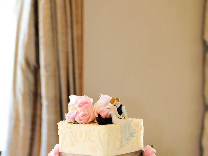 Tmx 1358372911223 KordupleskiImelTrystanPhotographyimel155 Denver wedding cake