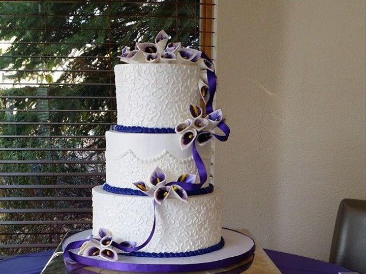 Tmx 1517763141 50c847ede0aa02d6 1517763140 Ac04d4b94a85cf6d 1517763140585 2 ButtercreamWedding Denver wedding cake
