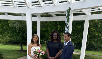 Elle Is For Love: The Wedding Officiant