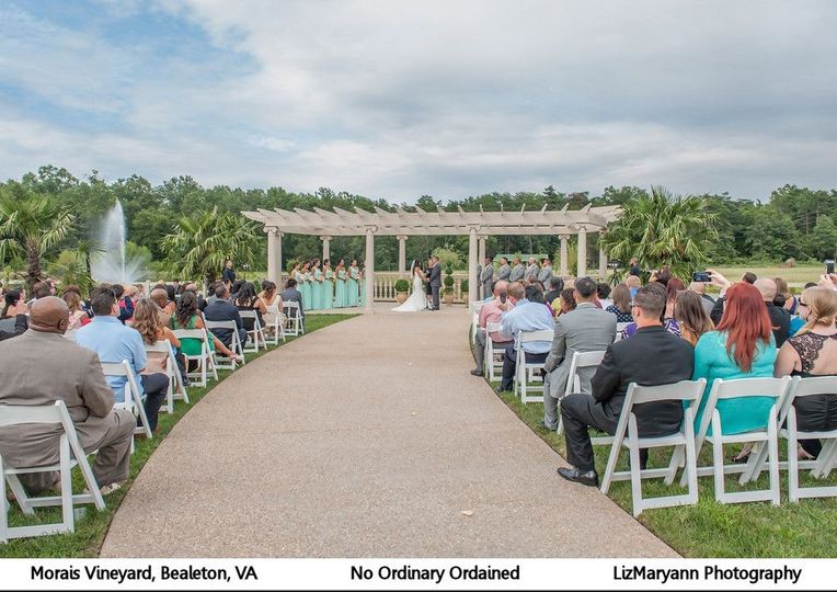 Outdoor middle aisle photo