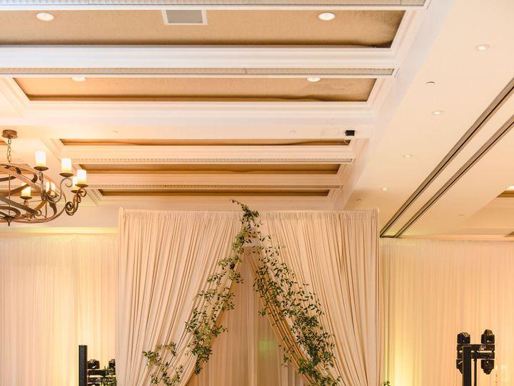Tmx 5 Receptiondetailsgrandreveal40of102 51 1666319 160255338085135 San Diego, CA wedding florist
