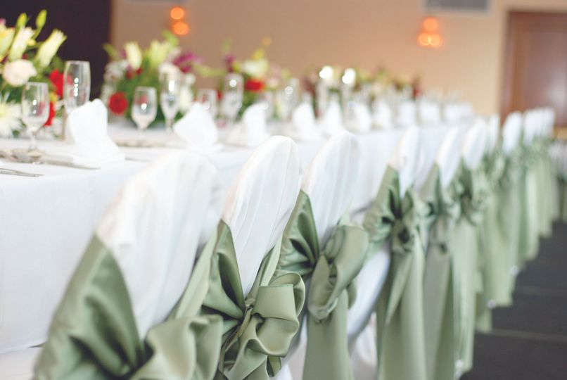 Experienced wedding professionals will see to every detail - event the correct bow on ribbons!