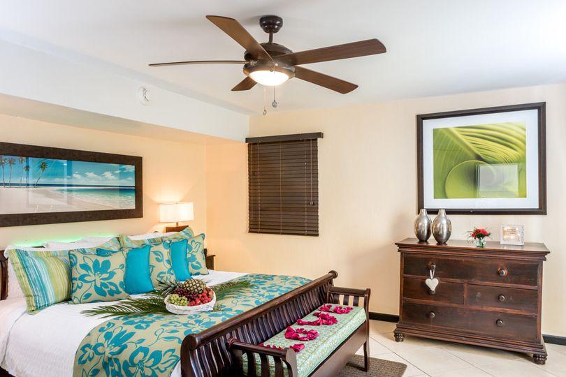 honeymoon suite bedroom decor
