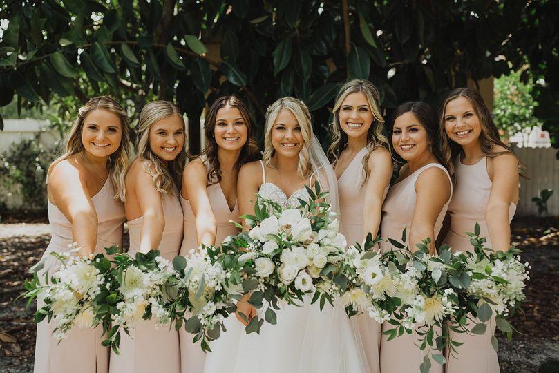Bride & Bridesmaids- Hannaglo