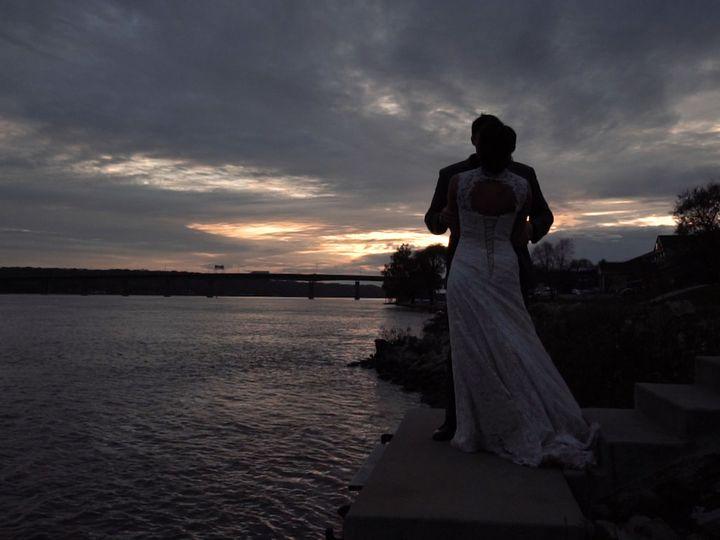 Tmx 1534883504 5d4a7e7bea1dea66 1534883502 F573ff4a16ad82e7 1534883483167 5 10 Wapello, IA wedding videography