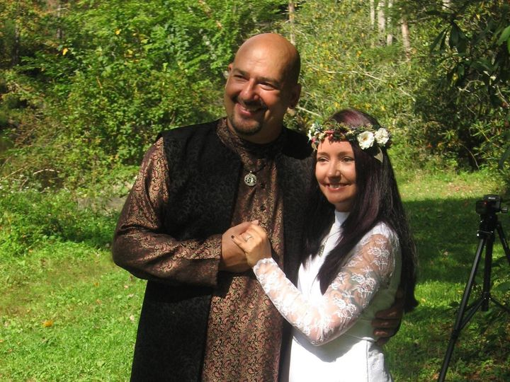 Tmx Wiccan Wedding Couple 51 187419 1572798345 Asheville, NC wedding officiant