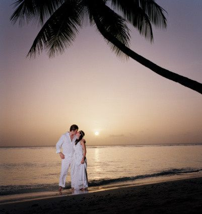 Kiss by the shore