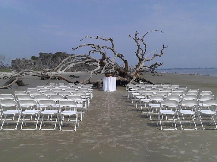 White chair arrangment