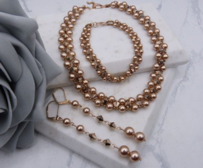 Emanuelle necklace and earrings