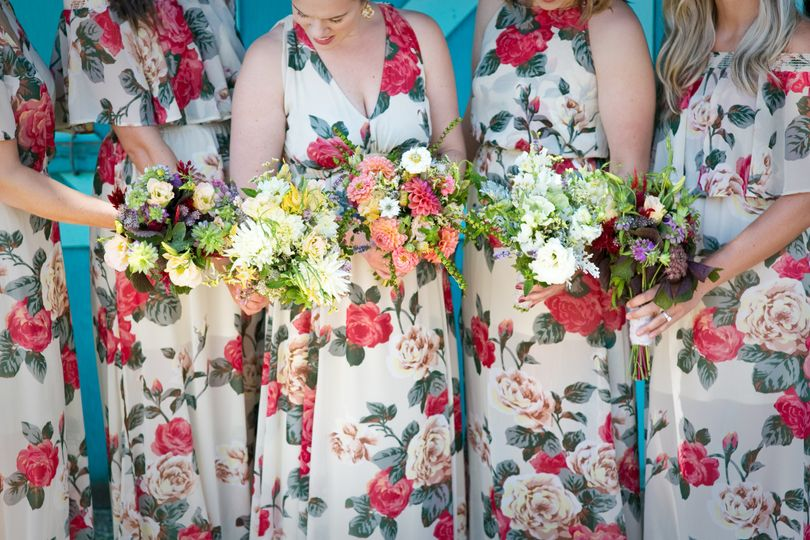 Gorgeous bouquets for the bridesmaids