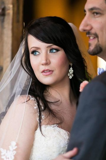 Beautiful bride with striking blue eyes | The Mill Photography
