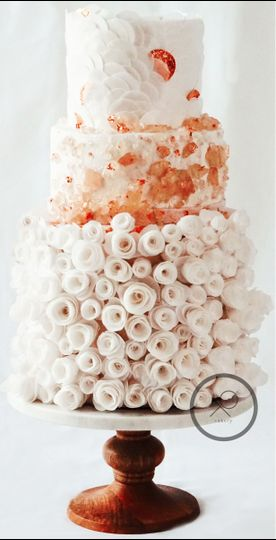XO Cakery | three tier wedding cake with rose gold accents