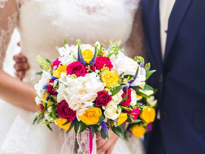 Tmx Wedding Flowers Woman Holding Colorful Bouquet Pnw99lx 51 1895519 157883065911811 Dallas, TX wedding videography