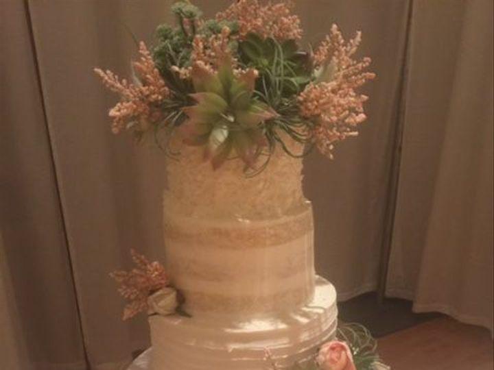 Tmx 1519157475 33892bafddfdda44 1519157474 D2d8e7d35966c333 1519157473173 1 FullSizeRender 11 Louisville, Kentucky wedding cake