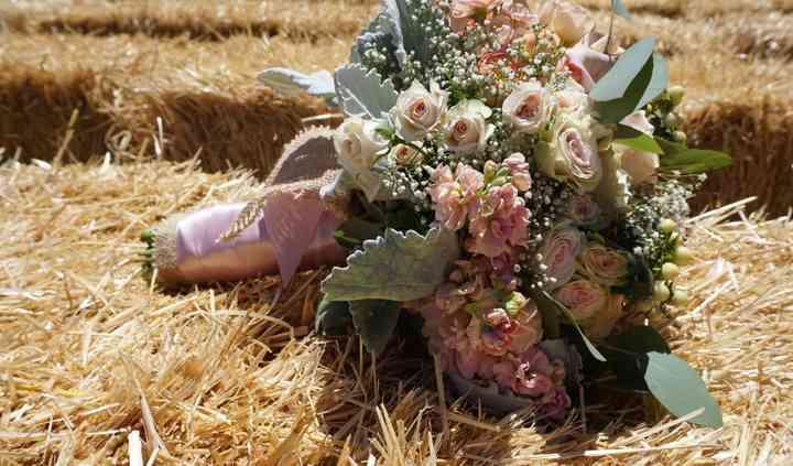 Thistle & Grace Wedding Flowers