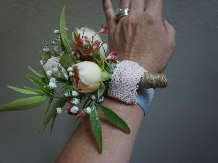 Tmx 1498982182530 C3930ec0 63ff 4877 8ca3 B2129b6b15bb Amity wedding florist