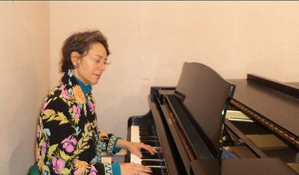 Katherine Mayfield, Pianist and Organist for Maine Weddings