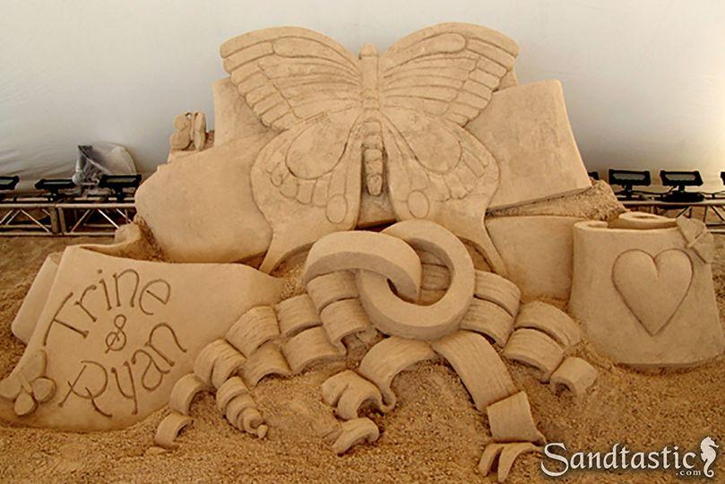 Indoor sand sculpture