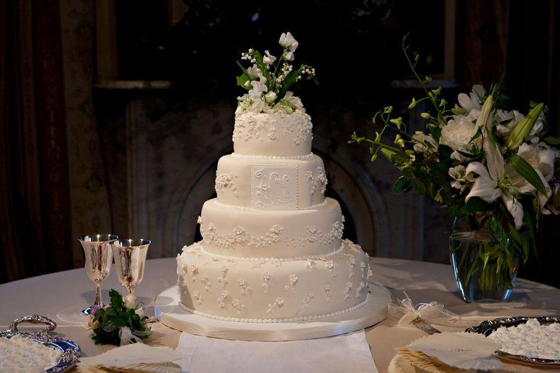 wedding cake 290139108