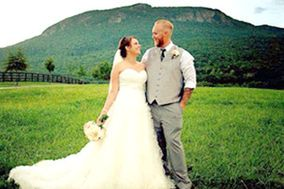 Amelia's Custom Weddings