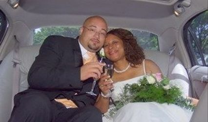 Gibson's Officiant & Photo 1