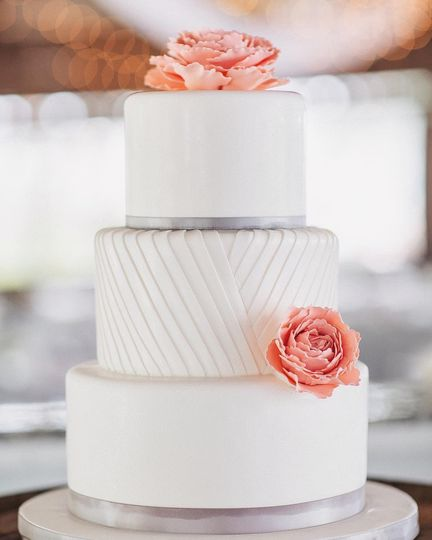 White and gray fondant cake