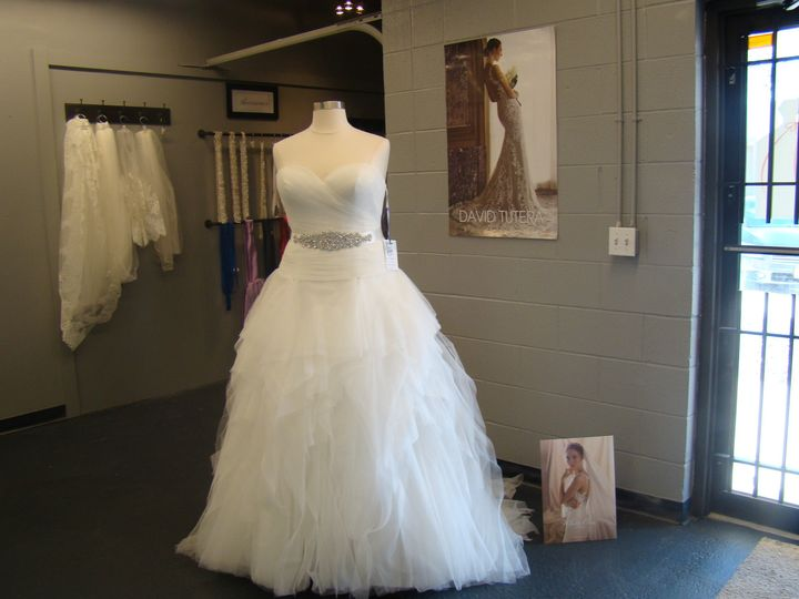 Tmx 1485664511266 2017 01 28 13.53.50 Kansas City wedding dress
