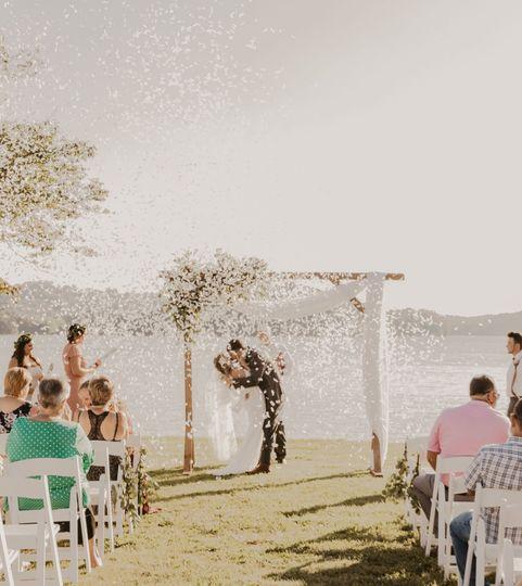 weddingconfettitennessee 51 761719 159768513630194