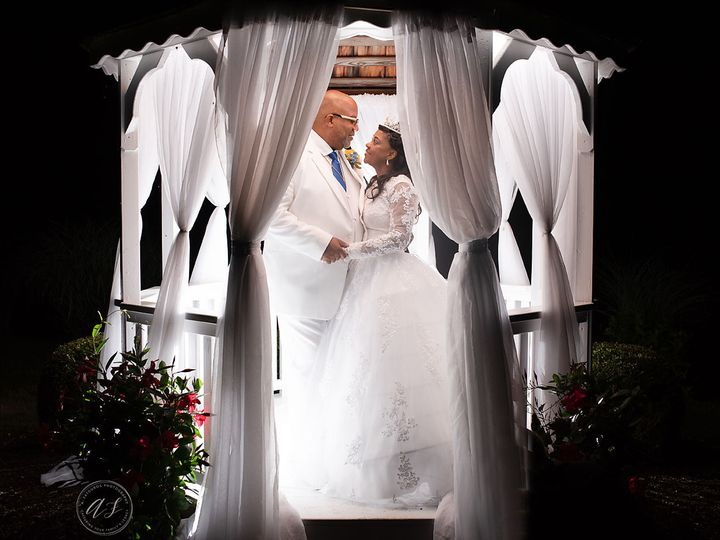 Tmx 1533091093 94dbf8c0f3bfd972 1533091092 Efc0ae922111d81b 1533091092101 12 Styles 1 325 Copy Ossining, New York wedding photography