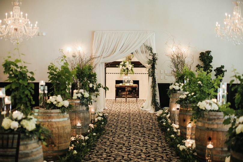 Aisle Decor