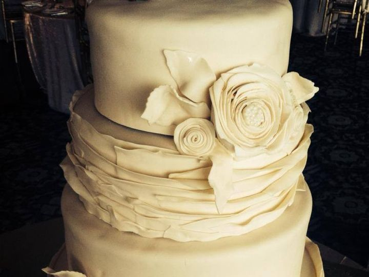 Tmx 1432063556844 Vinatge Wed Cake Smithfield wedding favor