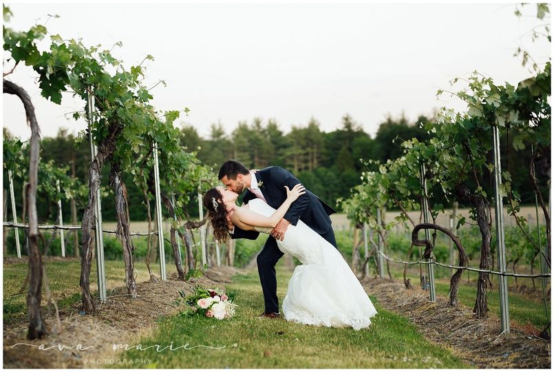 Flag Hill Winery Wedding by Ava Marie Photography NH