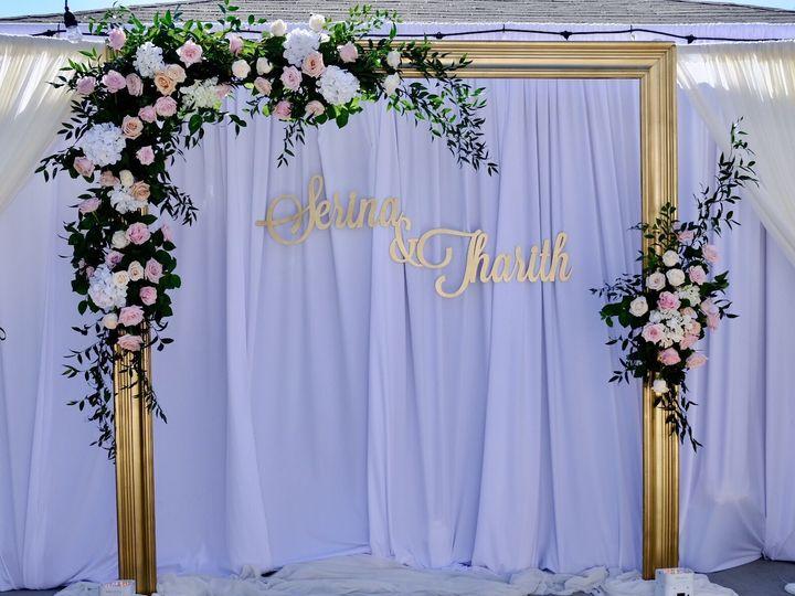 Tmx 1537398323 A14ba1b5724ed03d 1537398322 Fab8986ded11ff06 1537398309377 31 01cda840ff2bc3fc4 Garden Grove, CA wedding florist