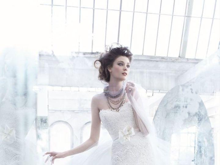 Tmx 1393631332407 Lz3357a Plano wedding dress